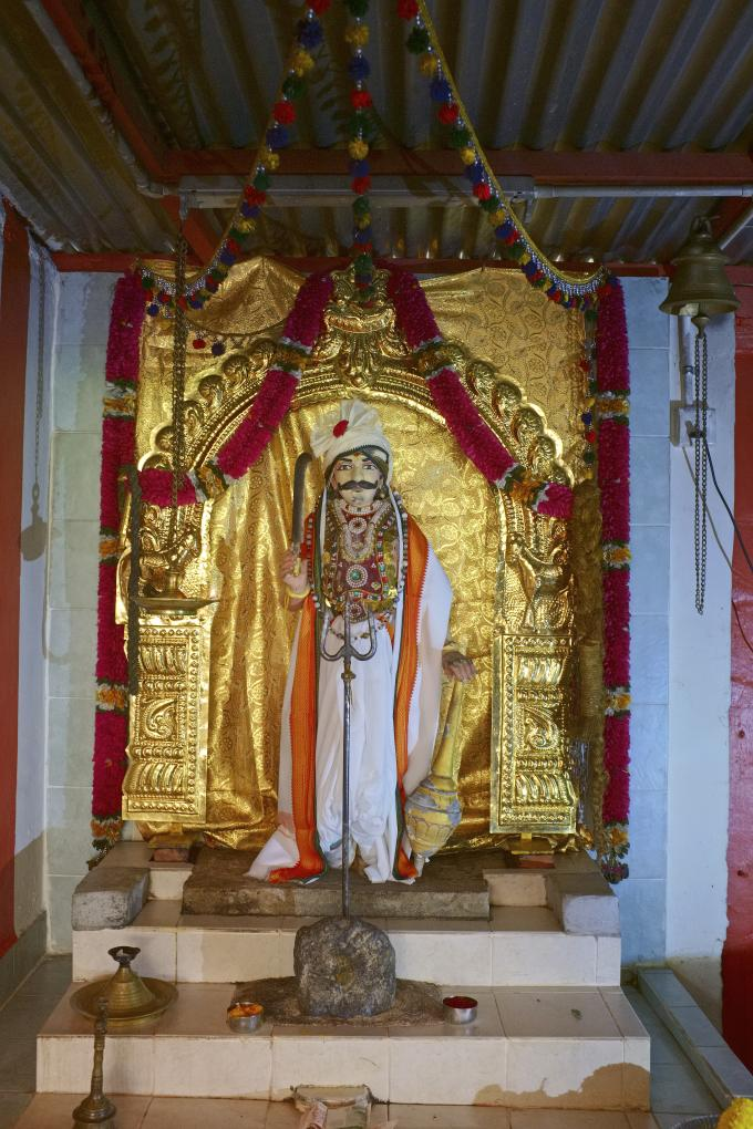 Der Eisenbahngott Sri Thandavaalam